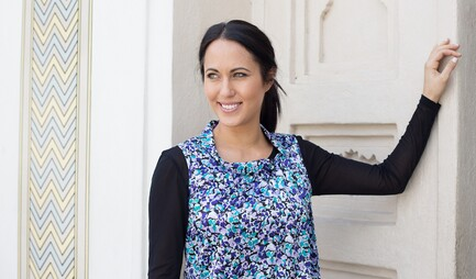 Valèvé Secret Sleeves Long Sleeve on model